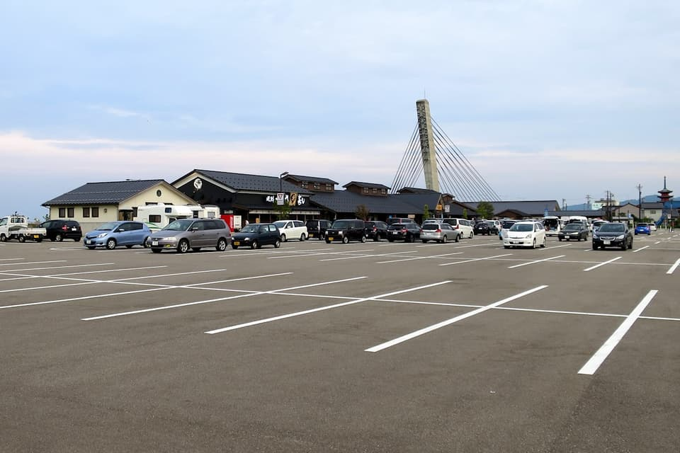 ひみ番屋街 道の駅