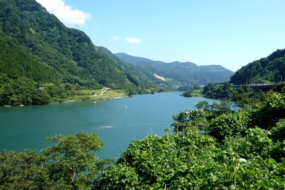 神通川のダム湖