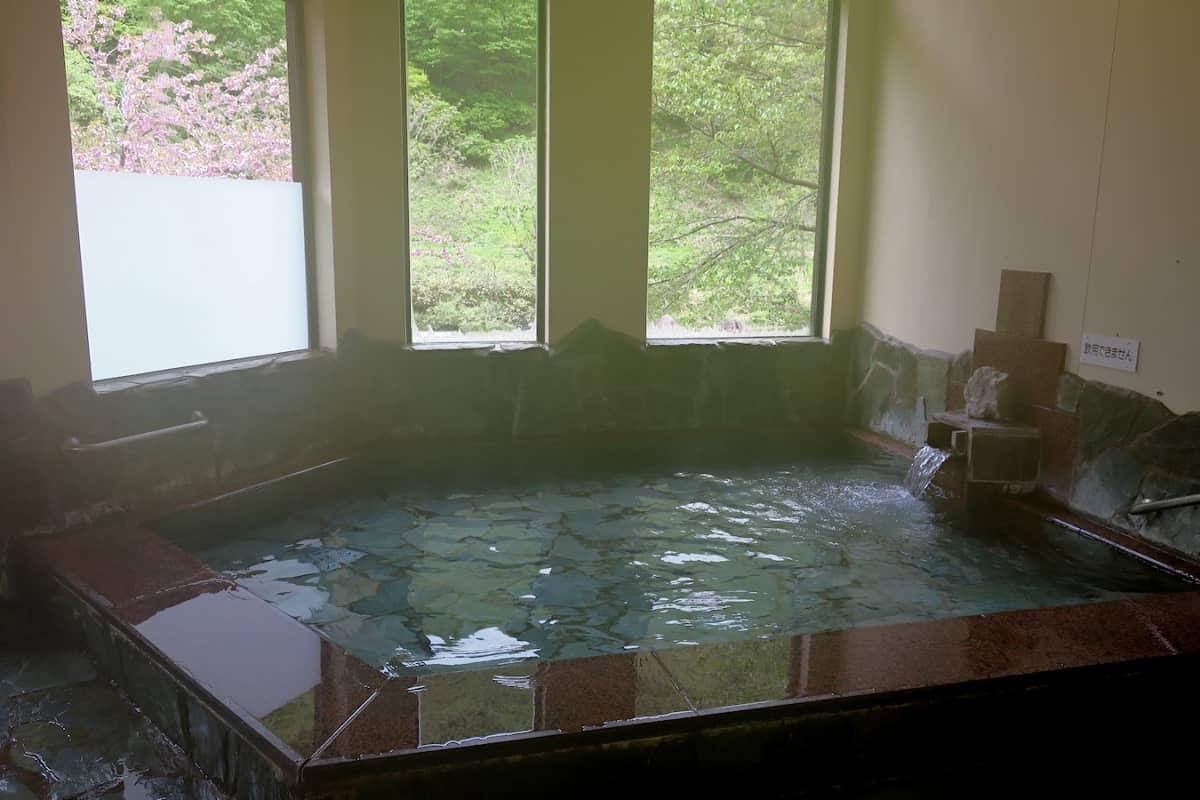 土樽共同浴場 岩の湯